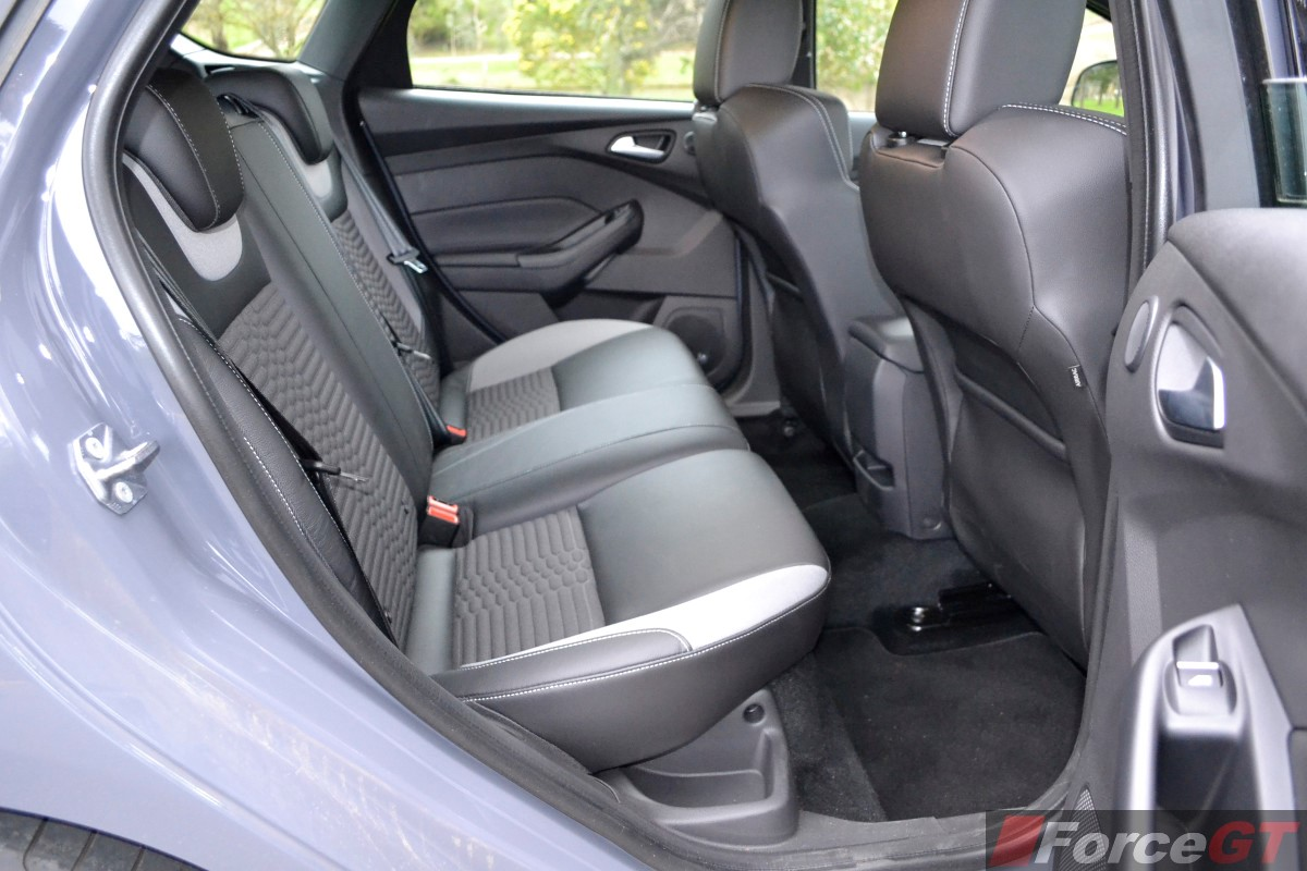 Name 2015 ford focus st rear seat legroom