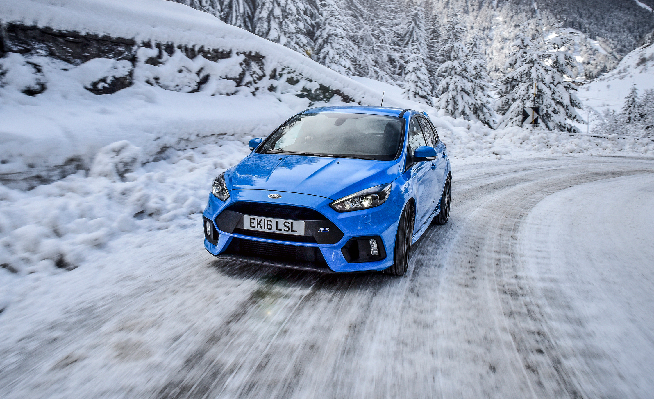 Name:  2017-ford-focus-rs-mountune-drive-review-car-and-driver-photo-678601-s-original.jpg Views: 9212 Size:  2.71 MB