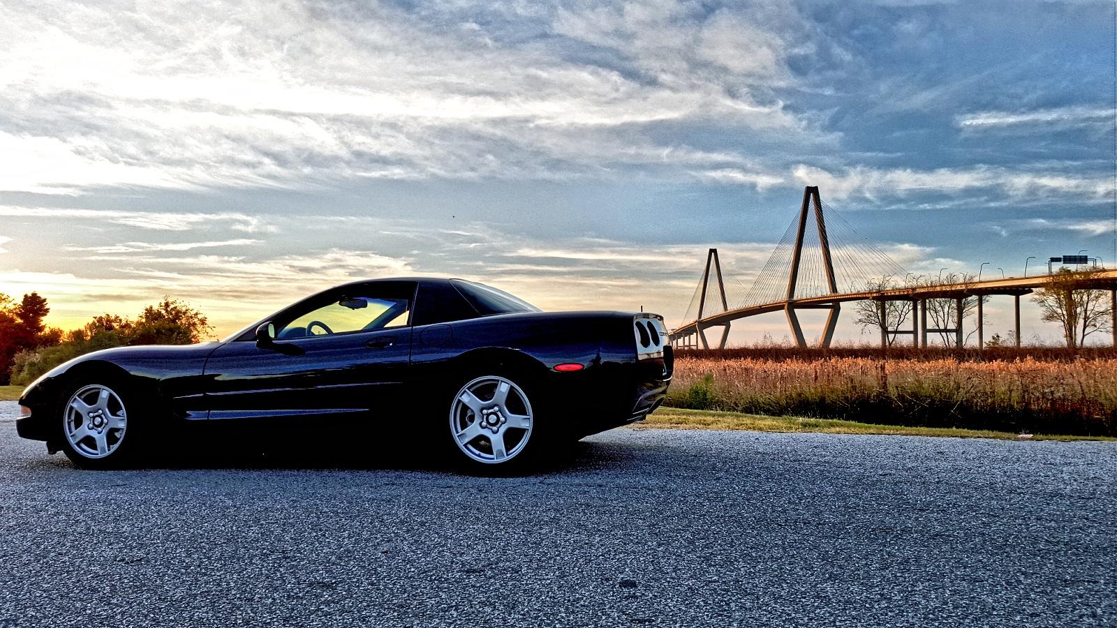 Focus Rs Versus 1999 Corvette Frc