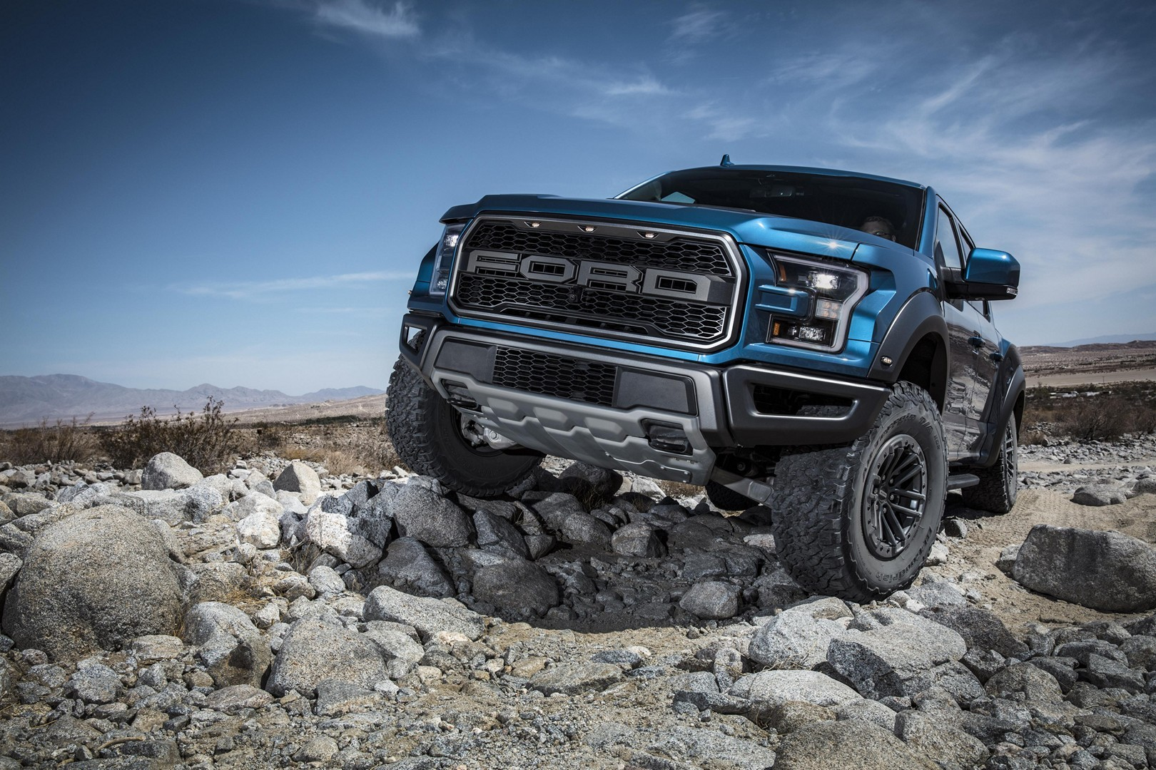 Name:  ford-f-150-raptor-v8-reportedly-in-the-works-135062_1.jpg Views: 13 Size:  545.1 KB