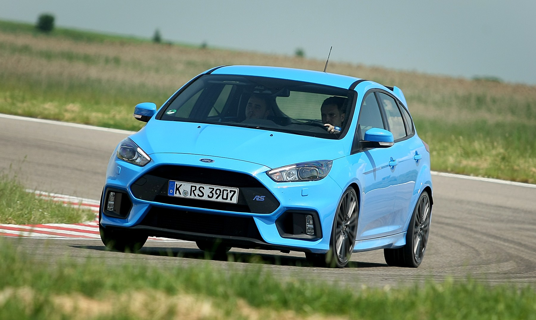 Name:  ford-focus-rs.jpg Views: 2097 Size:  323.1 KB