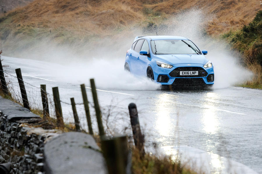 Name:  ford_focus_rs.jpg Views: 3989 Size:  262.2 KB