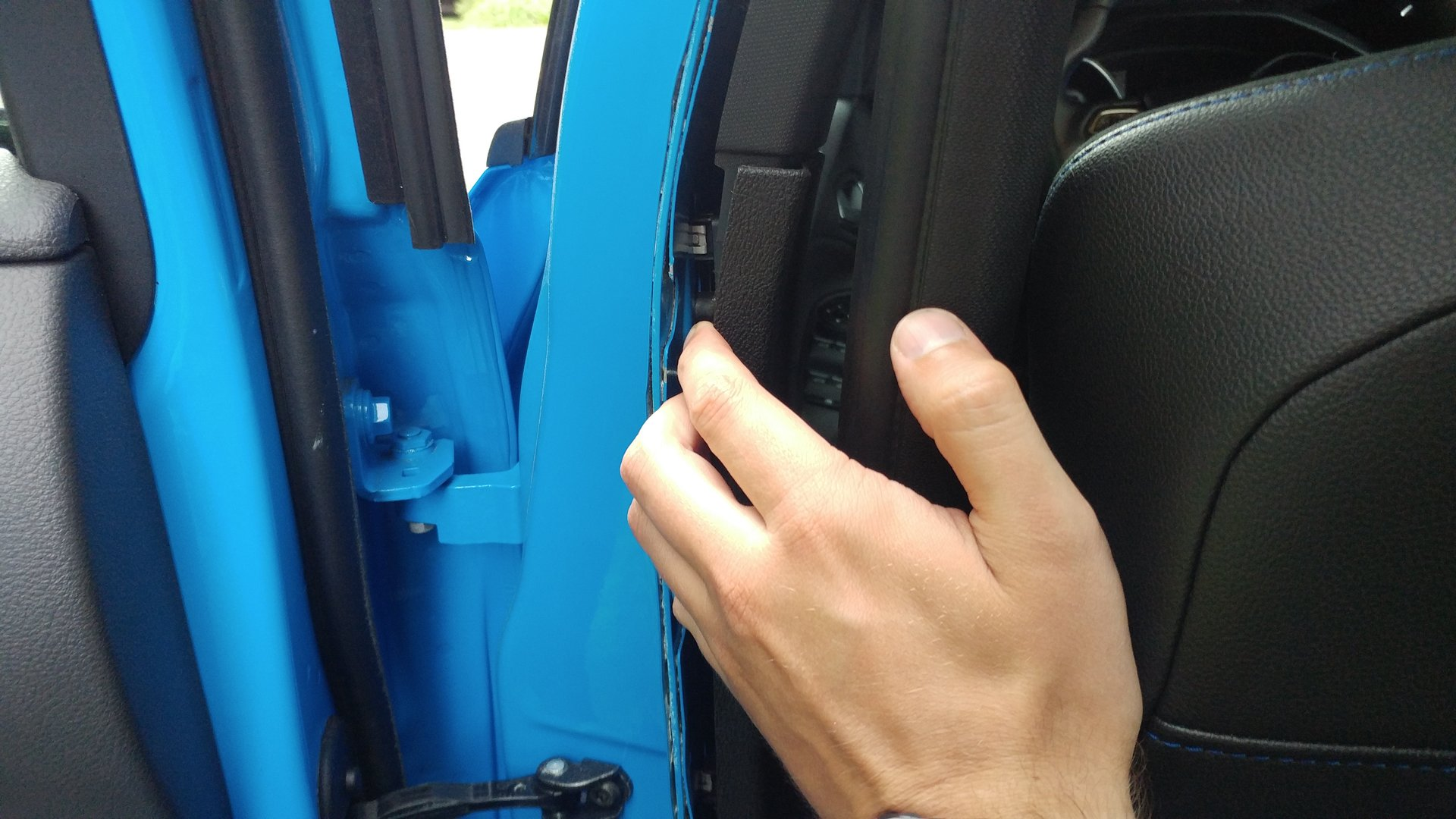 Seatbelt adjuster rattle (DIY fix) | Ford Focus RS Forum