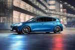 90-ford-focus-st-2019-ride-night-front.jpg